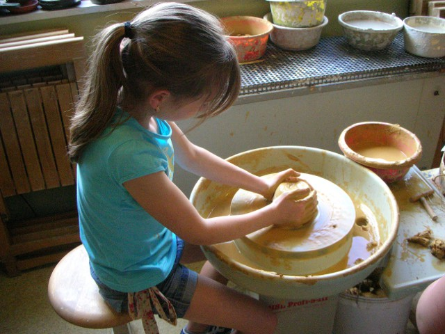 saumweber keramik den kindergeburtstag feiern im keramikatelier. Black Bedroom Furniture Sets. Home Design Ideas